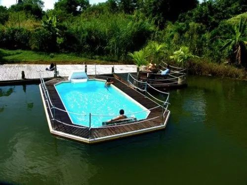 Modern Floating Pool from Mobedeep