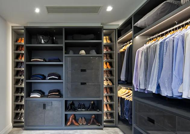 Wardrobe Steeped Design in Dark Shade
