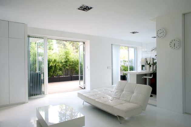White Living Room Idea With White Leather Sofa
