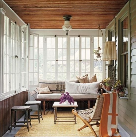 Retro-Inspired Sunroom Design Idea
