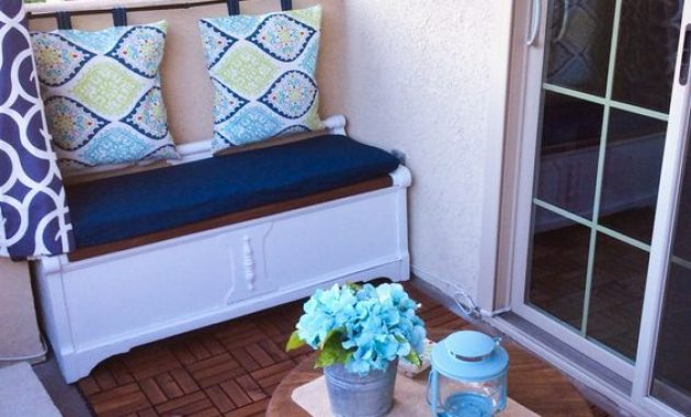 simple storage bench with pillow