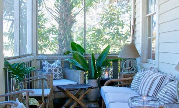Tropical-Inspired Small Sunroom