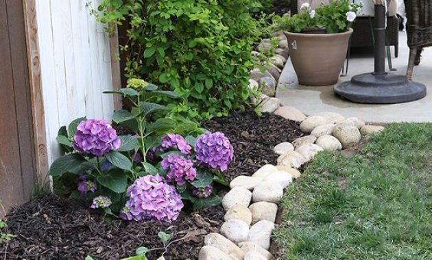 Garden Edging Ideas With River Rock Border