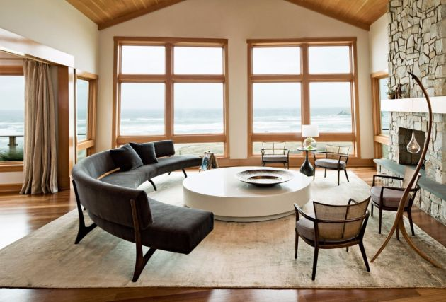 Jessica Helgerson's Oregon Coast Residence With A Futuristic Round Center Table