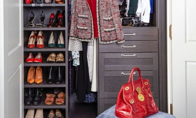 Traditional Closet Design By OPUS.AD