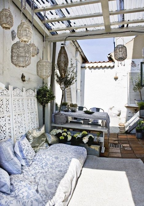 Neutral Small Boho Chic Terrace With Some Vintage Furniture