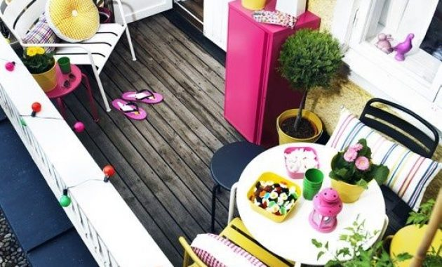 Small Colorful Terrace Design Ideas With Simple Bright Furniture