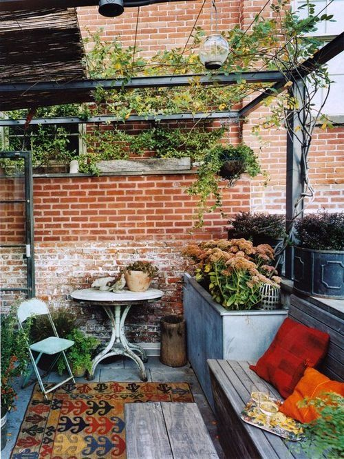Small Shabby Chic Terrace Design Ideas With Rustic And Vintage Furniture