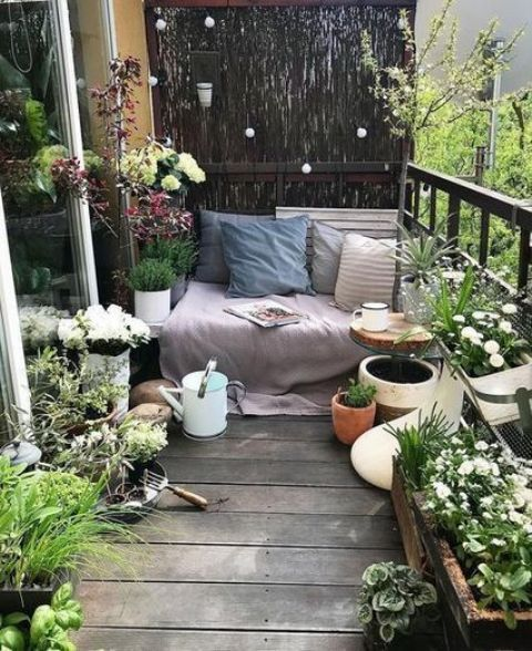 Small Terrace Design Ideas With Bench With Blankets And Pillows