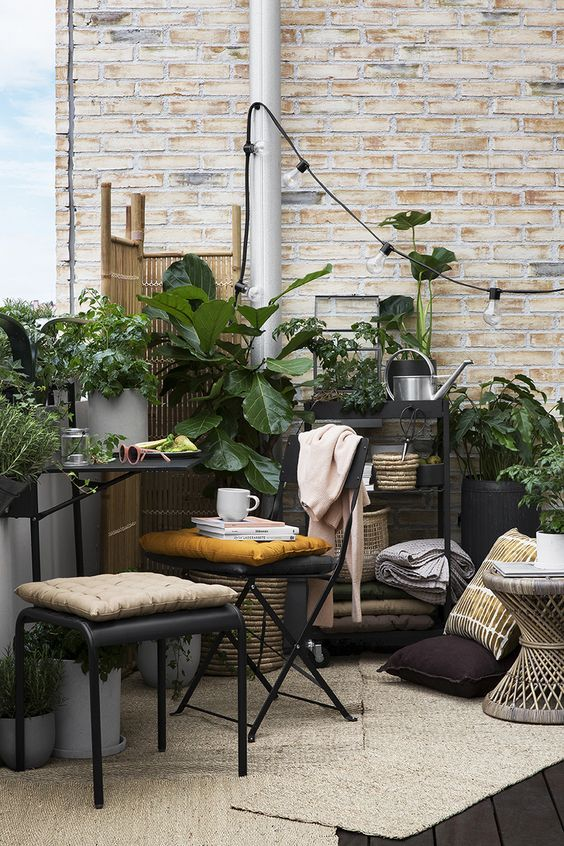 Small Terrace Design Ideas With Lights And A Wooden Screen