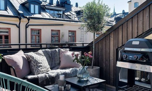 Small Terrace Design Ideas With Pillows And Bright Furniture