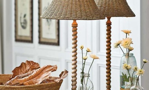 Vintage-Inspired Table Lamps With Carved Wooden Legs And Wicker Lampshades