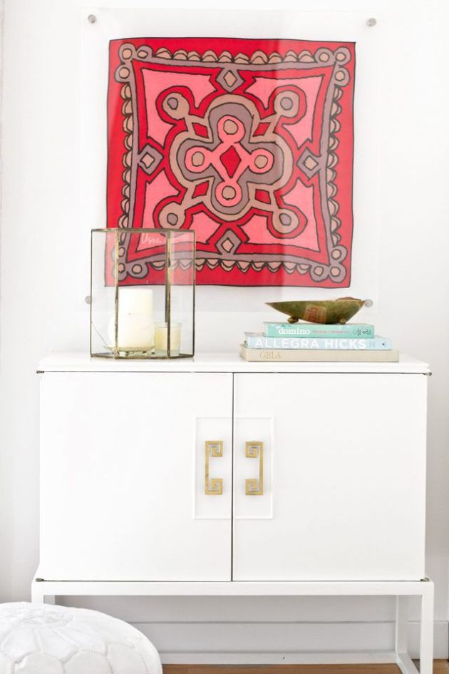 Wall Decorating Ideas By Framing a Scarf