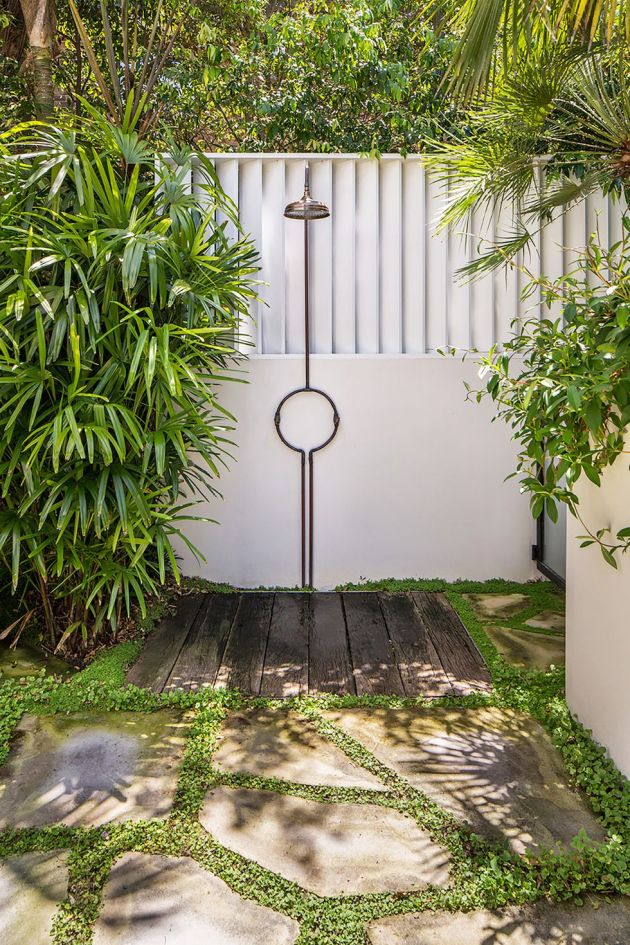 Bathroom Design Ideas By Taking It Outside