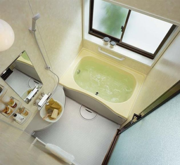Tiny Bathroom Design With Built-In Bathtub And Tiny Floating Vanity