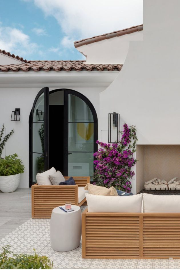 Backyard Patio Design Ideas With Bougainvillea And Fire Pits