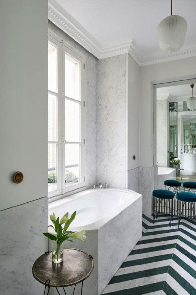 Contemporary Parisian Bathroom Done With White Marble