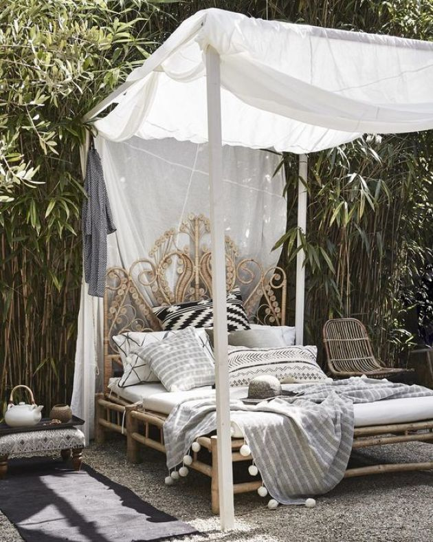 Exquisite Carved Wooden Daybed With A Canopy