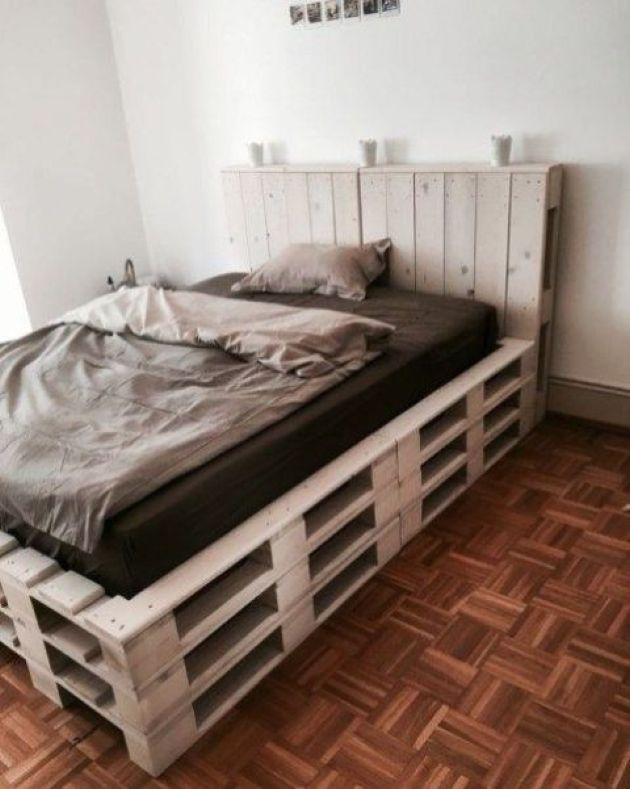 Raised Pallet Bed With A Headboard