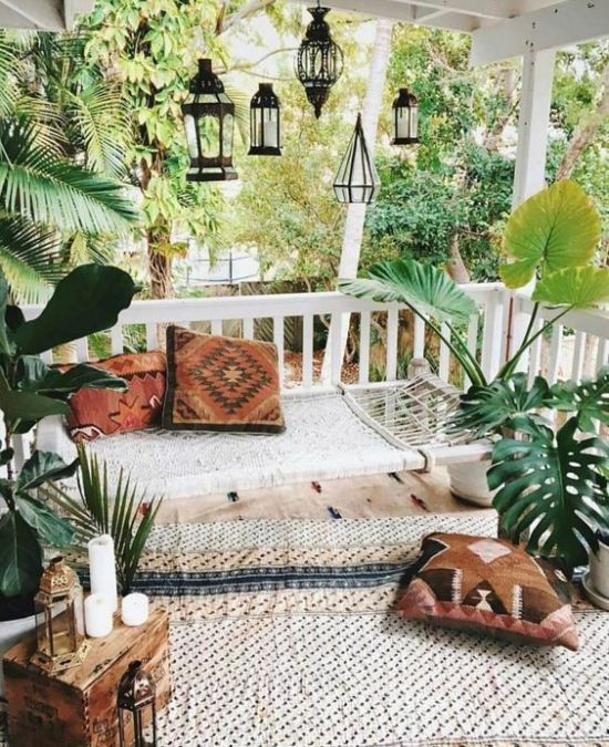 Summer Porch Decoration Ideas With A Rug Plus Hammock And Lanterns