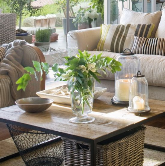 Wooden Coffee Table With Candle Lanterns