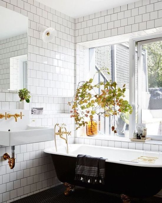 Fall Bathroom Decor Ideas With Fall Leaf Arrangements And Some Amber Bottles