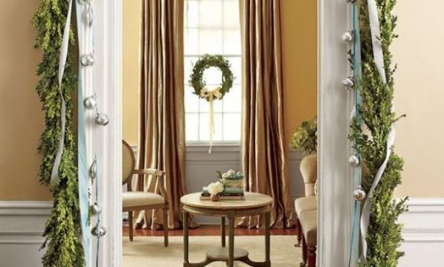 Christmas Doorway Decor With Greenery Garland