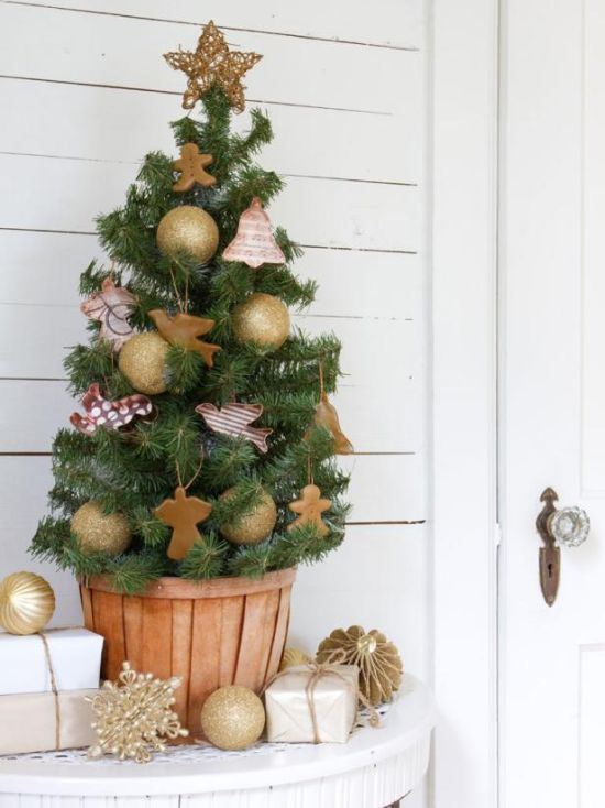 Christmas Tree Decorating Idea With Angel And Bell Shapes