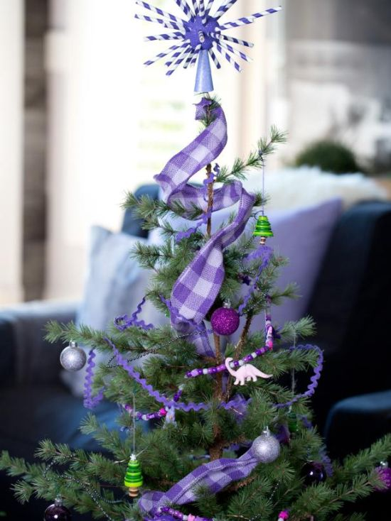 Christmas Tree Decorating Idea With Button Tree Ornaments And Straw Tree Topper