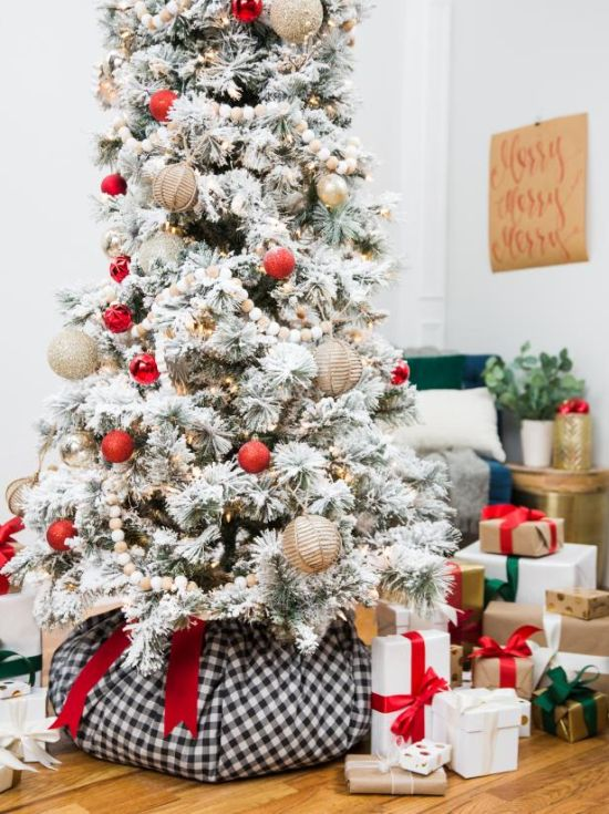 Christmas Tree Decorating Idea With Polyester Fiberfill