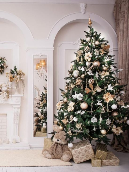 Christmas Tree Decorating Idea With Skinny Gold And Silver Beaded Garland