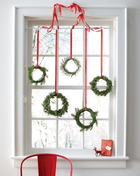 Christmas Window Decoration Ideas With A Bunch Of Evergreen Wreaths