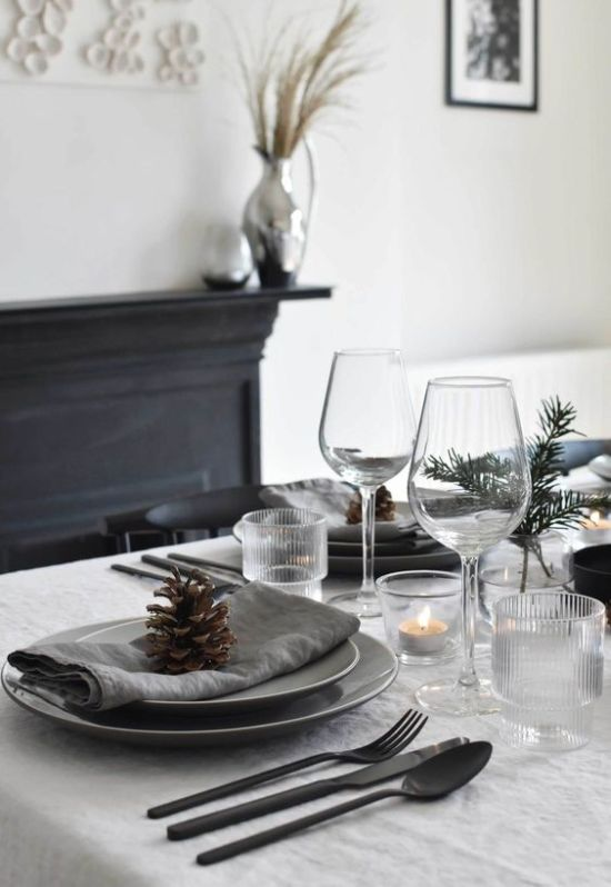 Minimalist Christmas Décor With Evergreens And Candles