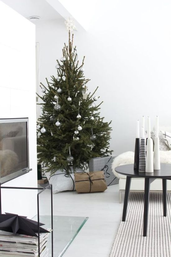 Minimalist Christmas Décor With Silver And Clear Ornaments