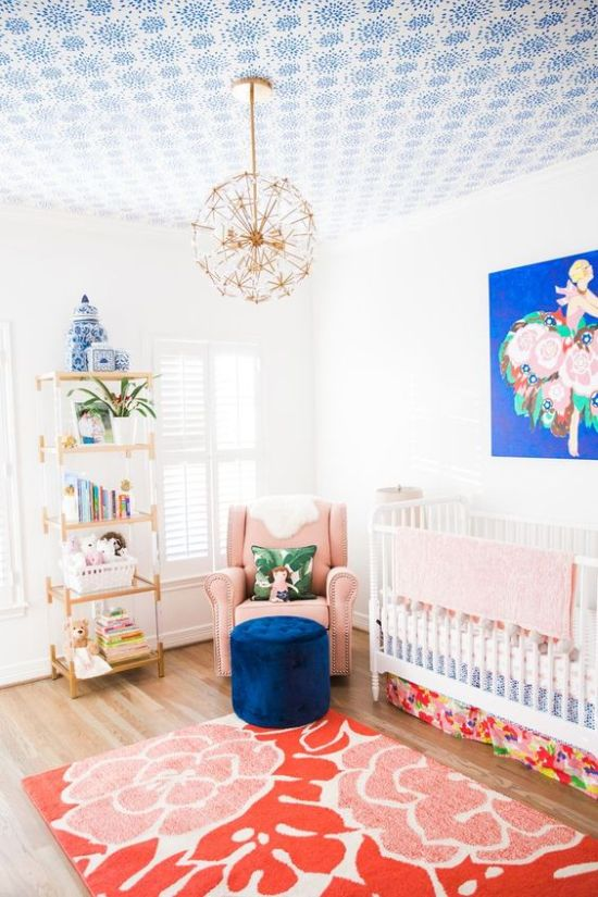 Nursery Decor Ideas With A Bright Artwork And Colorful Books