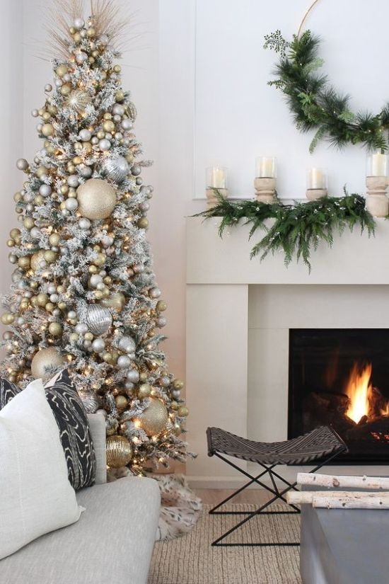 Oversized Christmas Tree Ideas With Gold And Silver Glitter Ornaments