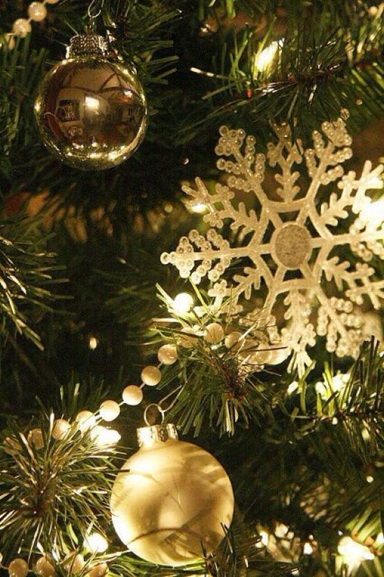 Snowflake Winter Decor With Balls And Lights