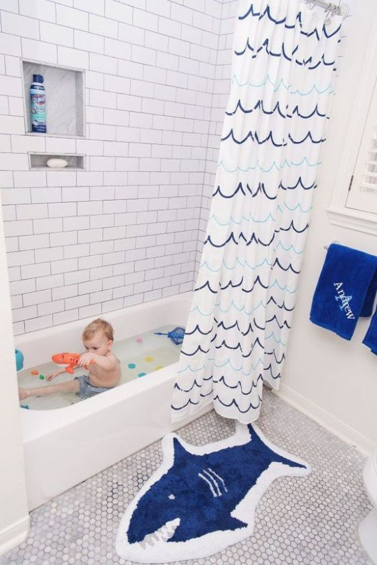 Kid Bathroom Decor With A Catchy Wave Curtain