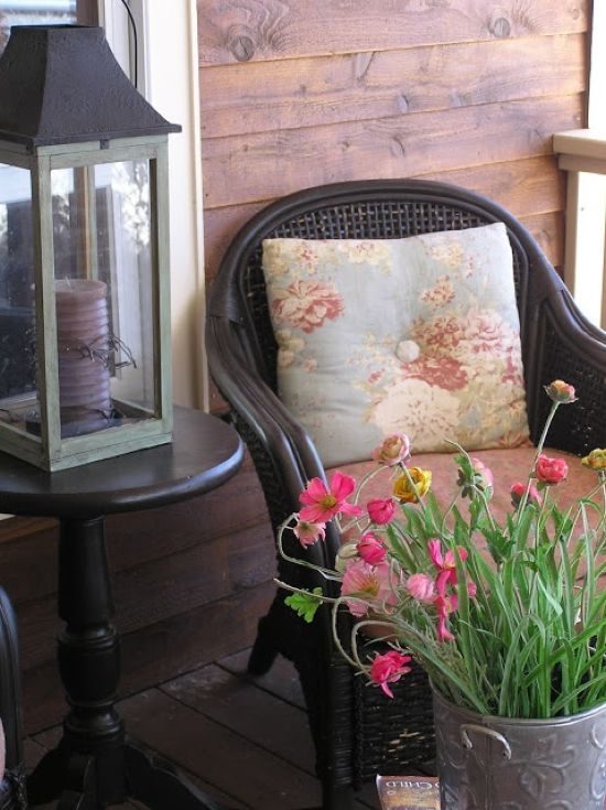Spring Porch Decor Idea With Printed Throws