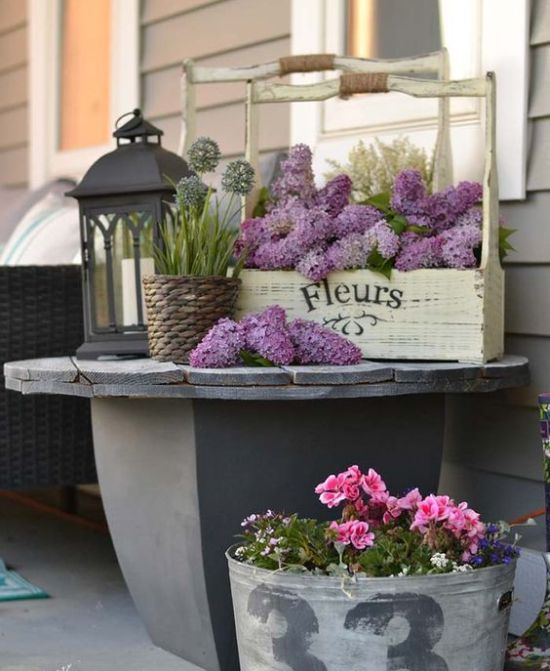 Spring Porch Decor With Bold Blooms In A Tool Box