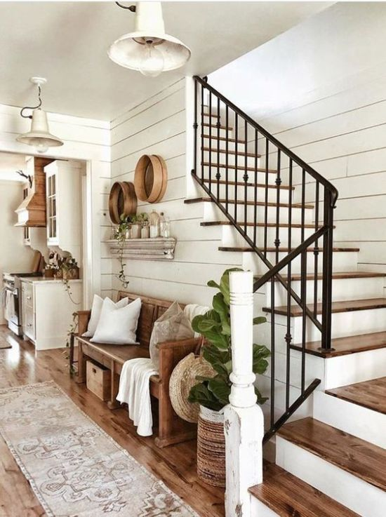 Small Entryway Decor With Seating And Storage