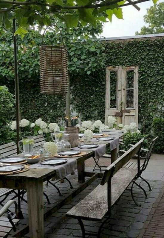 Garden Dining Room Decor With Vintage And Shabby Chic Furniture