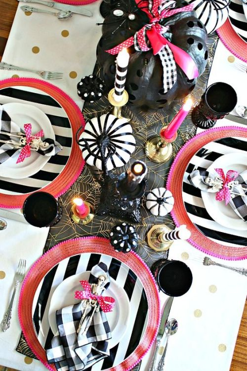 Halloween Tablescape With Hot Pink Touches